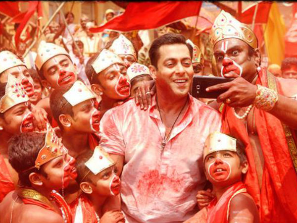 """Bajrangi Bhaijaan """"Selfie Le Le Re"""" New Song Released"""